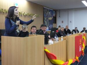 A deputada  fez duras críticas ao governo - Foto: Kátia Almeida / PC do B